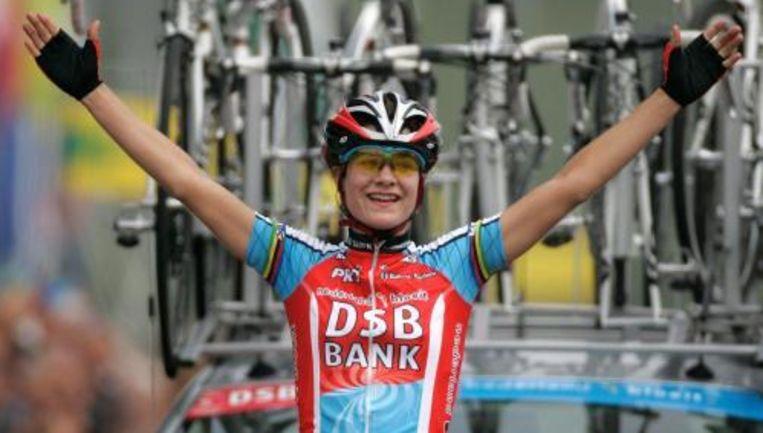 Marianne Vos is zaterdag in Landgraaf voor de derde keer in haar loopbaan Nederlands kampioene wielrennen geworden. Foto ANP Beeld
