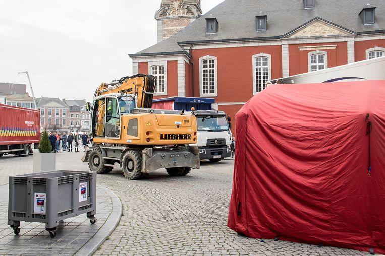Een 75-jarige vrouw werd dodelijk getroffen door een kraan bij de werken rond de markt van Sint-Truiden.