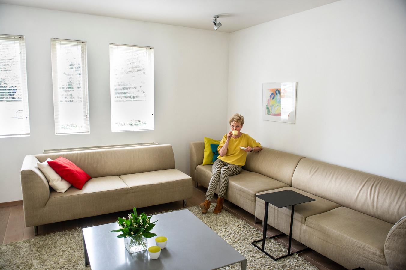 Zorg dat je niet teveel zitplaatsen hebt in een woonkamer.