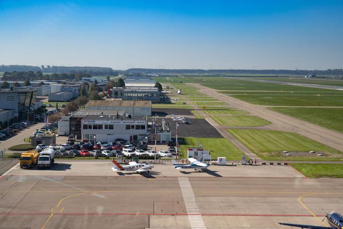 Lelystad Airport, gezien vanuit de verkeerstoren.