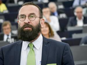Hongaars Europarlementslid (59) neemt ontslag na aanwezigheid op seksfeestje in Brussel
