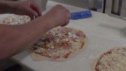Populair op de Gentse Feesten: Bakker verkoopt pizza in zijn garage