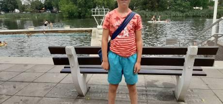 11-jarige Noud is 10.000ste bezoeker Tuindorpbad