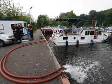 Plezierjacht dreigt te zinken in haven Eindhoven