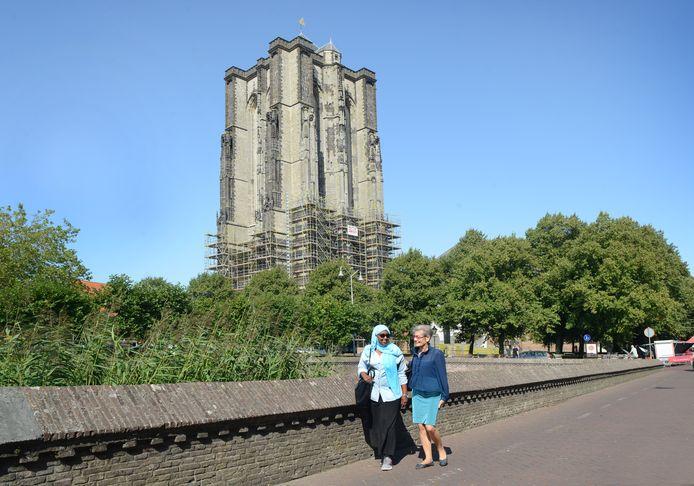 Zierikzee de Dikke Toren is nog maar Half Bllot zoals Wendy zegt  2