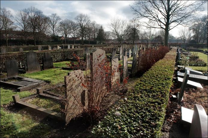 De algemene begraafplaats aan de Galgenweg in Zevenbergen. foto Frank Poppelaars/het fotoburo