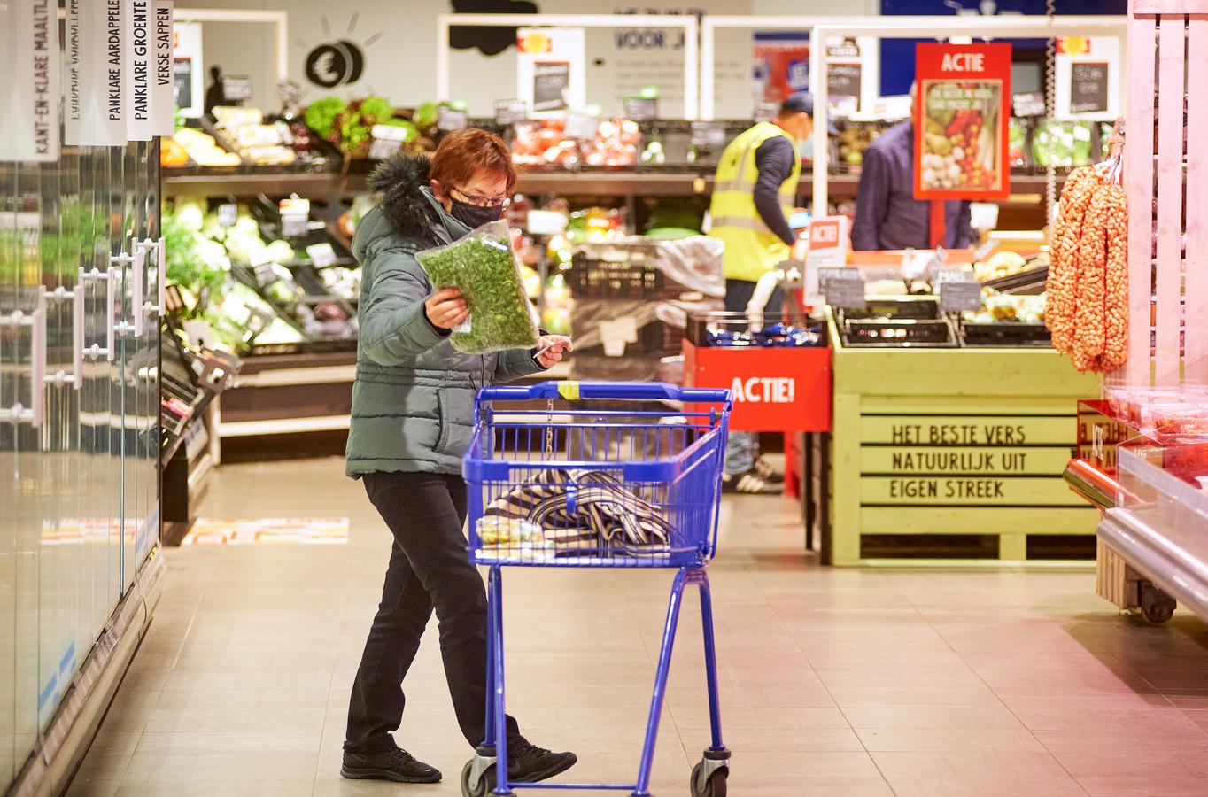 Ouderenuurtje in de supermarkt Jan Linders aan de Boekt in Veghel.