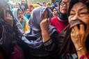 Treurende nabestaanden vragen zich af of het Lion Air-toestel wel had mogen vliegen