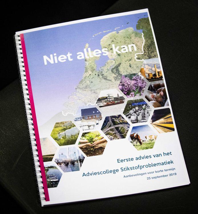 Het rapport met aanbevelingen van oud-minister en commissievoorzitter Johan Remkes over de stikstofproblematiek in Nederland.
