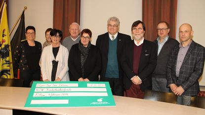 Cheque van 7.830 euro voor Kinderkankerfonds