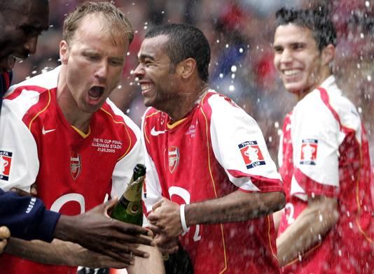 Ashley Cole (links) beleefde veel successen in het shirt van Arsenal.