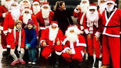 Alpe d'Huezevrienden delen kerstcadeautjes uit