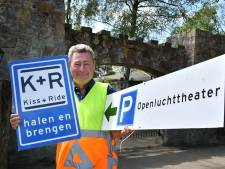 Hennie Kemna uit Hertme is verkeersregelaar: 'serieus en belangrijk werk'