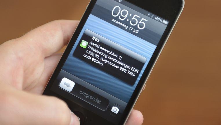 Internetbankieren met TAN-codes via sms via ING is volgens de Consumentenbond minder veilig dan bij andere banken. Beeld anp