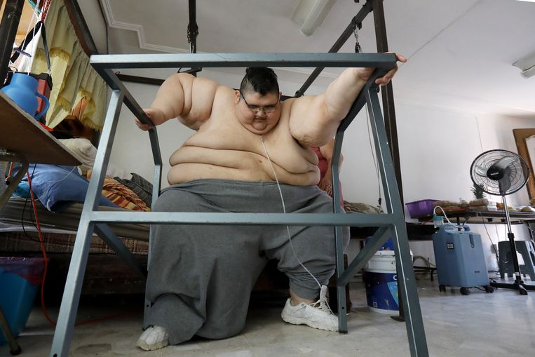 De Mexicaan Juan Pedro Franco (33) woog in oktober 2016 nog 595 kilogram. Hij is intussen al 250 kg afgevallen, en met een looprek slaagt hij er al in zijn eerste stappen te zetten.