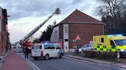 Steenweg naar Halle even afgesloten tijdens spitsuur door schouwbrand