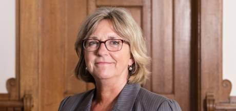 Raad stemt in met tweede termijn voor burgemeester Ellen Nauta van Hof van Twente