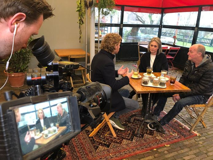 Ewout Genemans in gesprek met de ouders van Nicky Verstappen