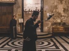 Priester jaar geschorst na sadistische en gewelddadige doop jongetje