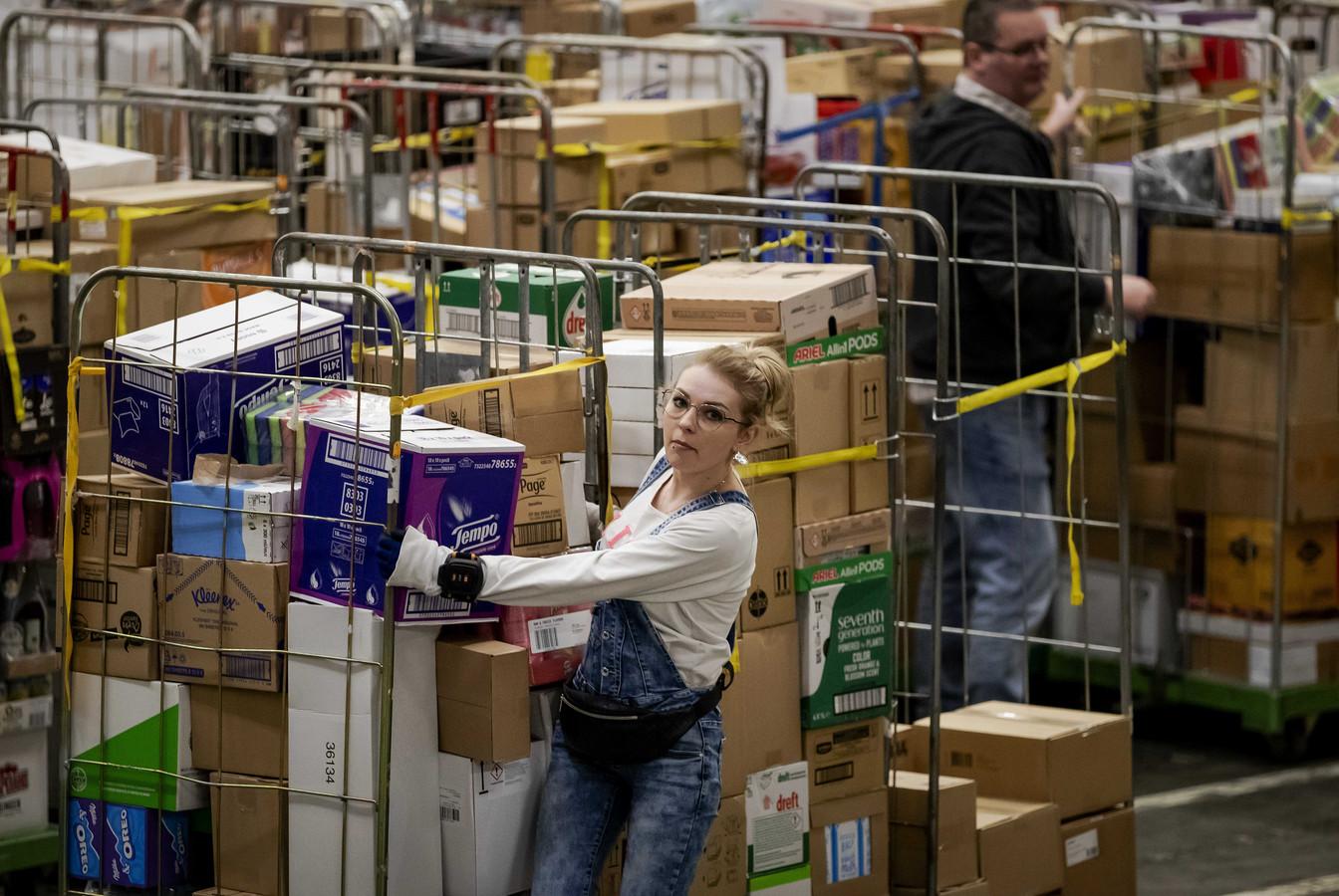 Foto ter illustratie. In distributiecentra is het de afgelopen maanden extra druk.