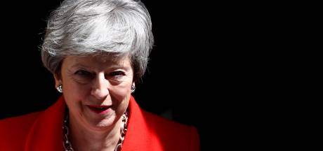 """Theresa May annonce une offre """"audacieuse"""""""