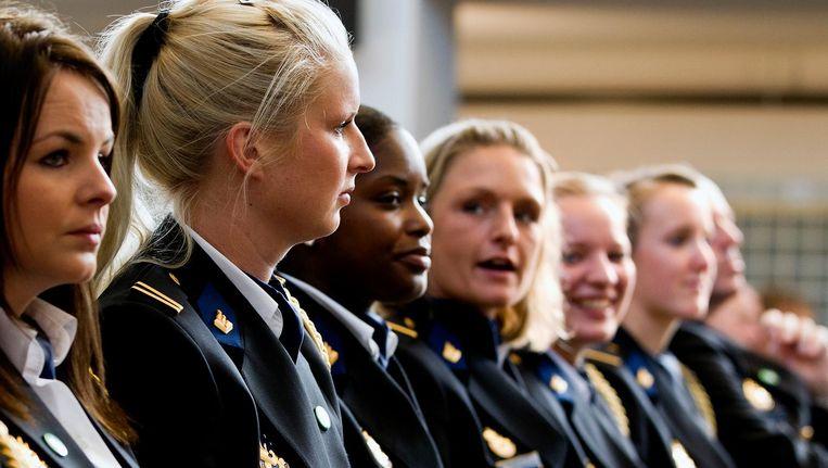 Aspirant politieagenten bij de opening van het academisch jaar van de Politieacademie, 2011. Beeld anp