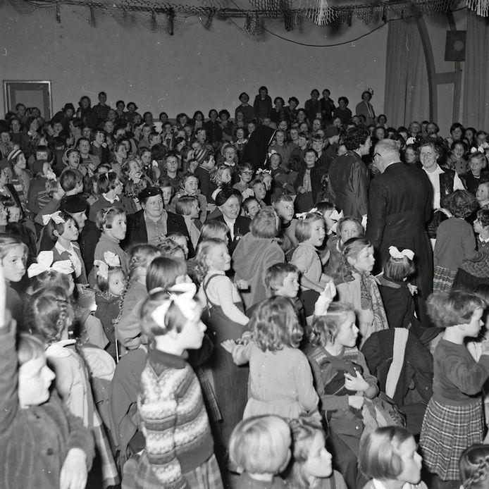 Juffen hadden jubileum bij St Philomenaschool