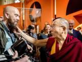 Dalai Lama komt aan in Ahoy