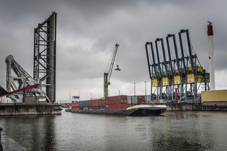 Het vervoer van containers in de Antwerpse haven. Beeld ANP