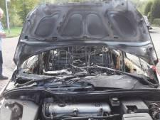 Drie auto's in lichterlaaie in Oisterwijk: oud-brandweercommandant hoort bij  gedupeerden