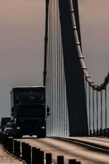 Grensverkeer Duitsland: voorlopig is de route binnendoor over de Oranjedijk dicht