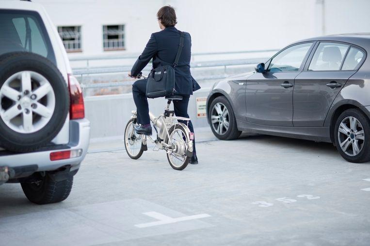 Steeds meer mensen komen met de fiets naar het werk en krijgen daarvoor een fietsvergoeding.