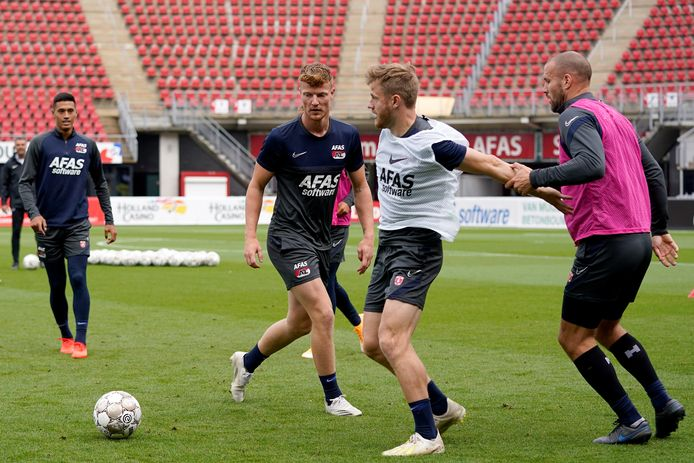 AZ tijdens de training een dag voor de ontmoeting met Viktoria Plzen in de tweede voorronde van de Champions League.