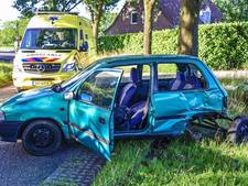 Beschonken automobilist botst op bestelbus in Luyksgestel