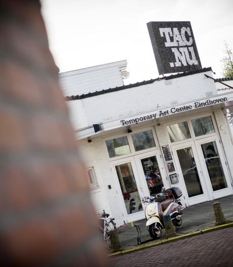 Sfeervolle poëzieavond voor opvallend jong publiek in het TAC Eindhoven