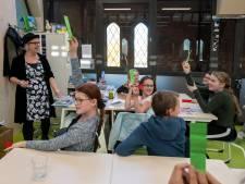 Kinderboekenschrijfster laat kinderen Esbeek nadenken over klimaat, 'Verwarming lager, extra trui aan'