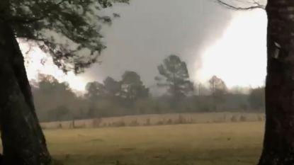 Tornado's laten spoor van verwoesting achter in Verenigde Staten: 3 doden