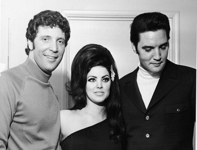 Tom Jones op de foto met Priscilla Presley en Elvis Beeld Getty Images