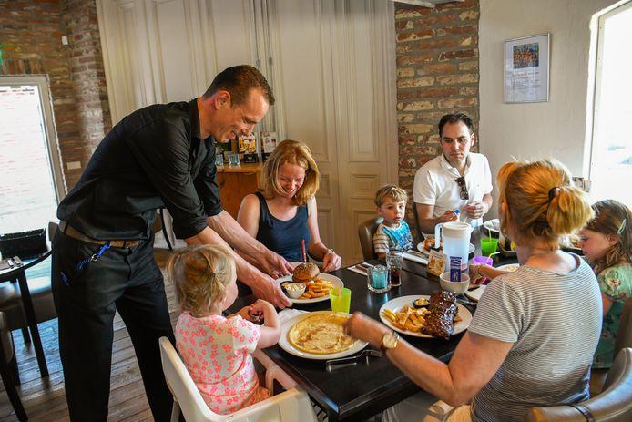 Pannenkoeken en friet, voor kinderen is D'n kleine Dommel een paradijs.