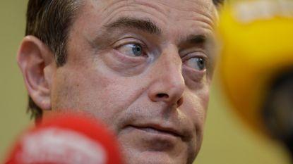 """De Wever wil vertrouwensstemming: """"Anders is het bijna een staatsgreep"""""""