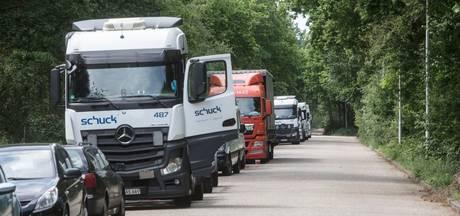 Ergernis over geparkeerde vrachtwagens langs Gagel in Best