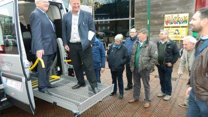 Zonneheem heeft twee nieuwe busjes om senioren te vervoeren