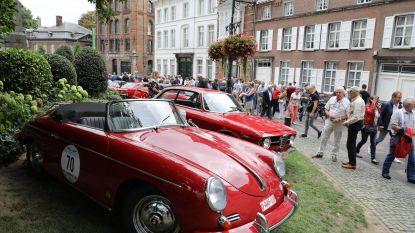 Nostalgie troef met klassieke sportwagens en retrowielerevent