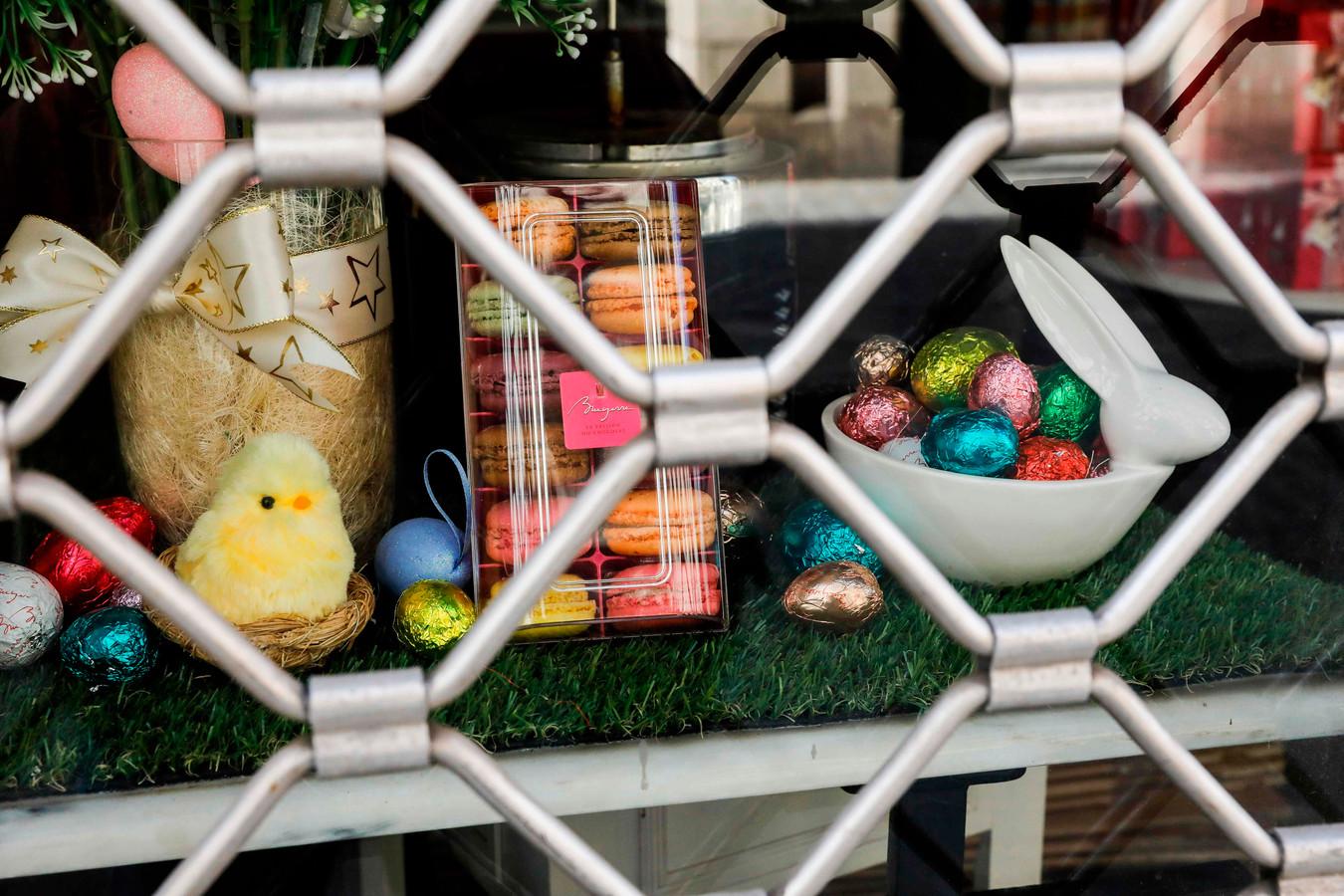 Massaal winkelen gaat het niet worden met Pasen, maar een bezoekje aan familie of vrienden moet kunnen, vindt een op de zes Nederlanders.