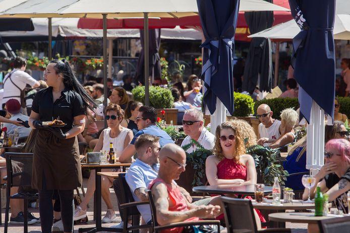 De horeca op de Markt in Eindhoven is vanaf 1 juni weer open.