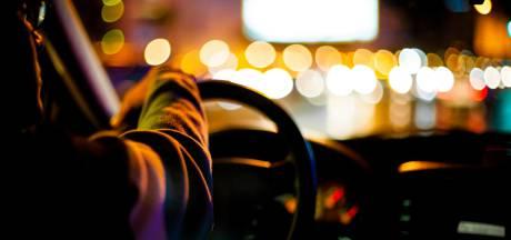 Drankrijder riskeert zwaar ongeluk omdat taxi te lang duurt: 'Het ging regenen, ik was het wachten zat'