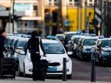 Taxichauffeurs somber over hun toekomst: 'Taxirit wordt onbetaalbaar'