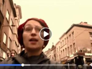 Sans cesse sifflée et harcelée dans la rue, elle transforme sa frustration en chanson