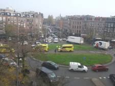 Twee zwaargewonden bij schietpartij Amsterdam, politie lost schoten