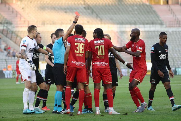 Tasos Sidiropoulos tijdens de wedstrijd Royal Antwerp - AZ.